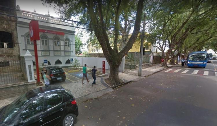 Funcionários da agência foram feitos reféns durante a ação dos assaltantes - Foto: Reprodução | Google Maps