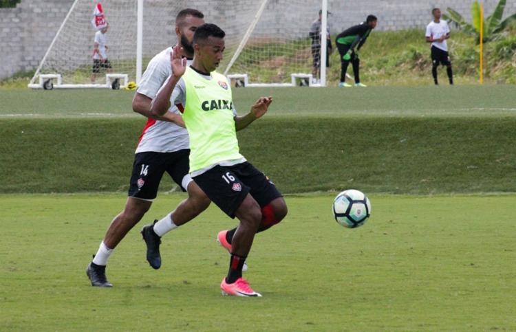 Juninho se recuperou de lesão e retorna ao time titular - Foto: Maurícia da Matta | EC Vitória