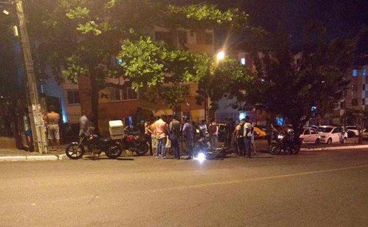 Mototaxista foi baleado nas proximidades do Paralela Park - Foto: Reprodução | Informe Baiano