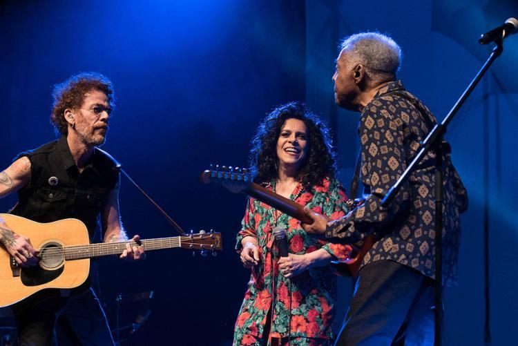 O trio apresenta três músicas inéditas compostas por Gil e Nando - Foto: Henrique Alqualo l Divulgação