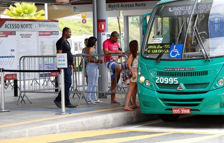 Agora, o terminal Acesso Norte é a parada final de linhas urbanas oriundas de 32 localidades da capital baiana - Foto: Adilton Venegeroles l Ag. A TARDE