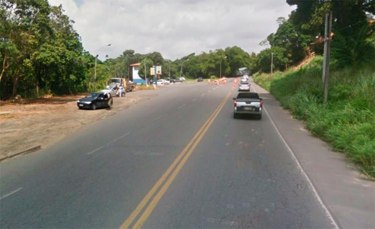 O acidente aconteceu na BA-528, nas proximidades do posto da PRE - Foto: Reprodução | Google Maps