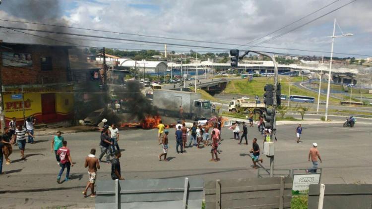 Grupo protestou por morte de jovem - Foto: Repórter Cidadão