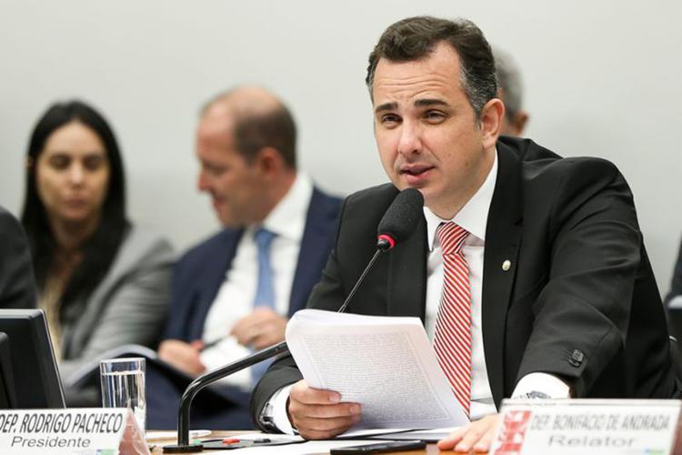 Rodrigo Pacheco (PMDB-MG) pediu mais três sessões para discutir a denúncia contra o presidente Michel Temer. - Foto: Marcelo Camargo l Agência Brasil