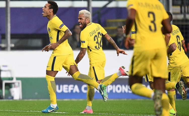 Brasileiro deixou o seu em vitória da equipe parisiense por 4 a 0 - Foto: Franck Fife l AFP