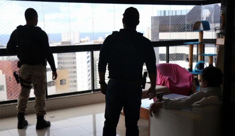 Policiais cumpriram mandados de buscas em 11 endereços - Foto: Alberto Maraux   Divulgação   SSP