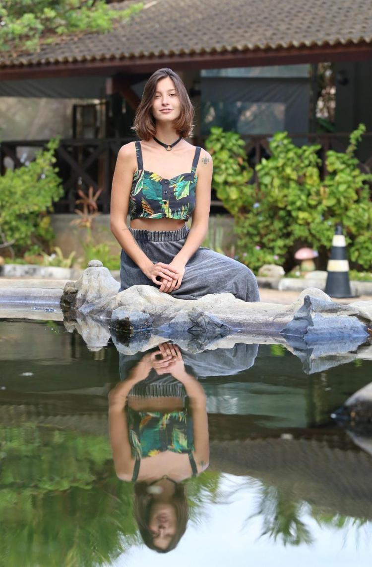 Ex-modelo, Marina Baggio começou a desenhar em pranchas de surfe - Foto: Adilton Venegeroles | Ag. A TARDE