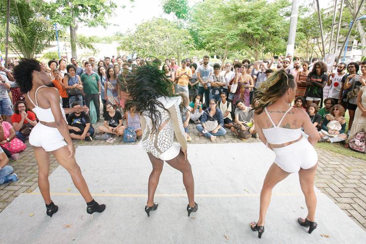 Lançamento do 'aceita!' contou com performances - Foto: Mila Cordeiro l Ag. A TARDE