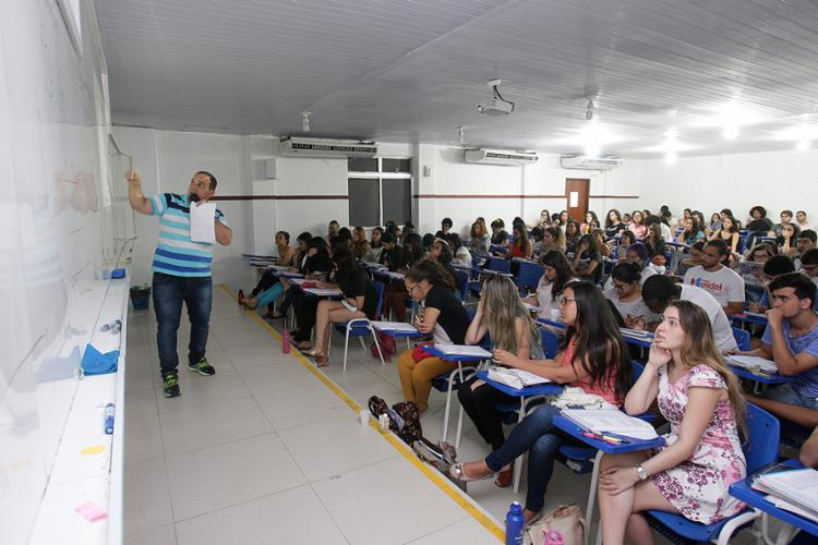 Aulões e simulados são opções para vestibulandos - Foto: Mila Cordeiro l Ag. A TARDE