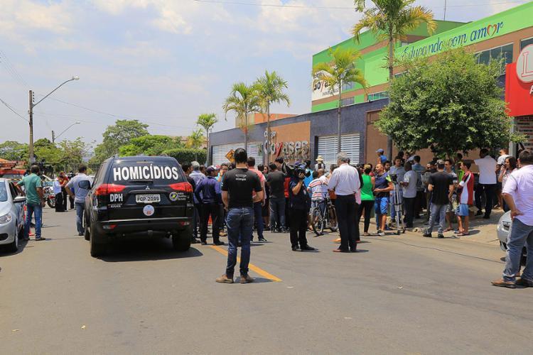 O atentado deixou em choque a comunidade - Foto: Geovanna Cristina l Estadão Conteúdo