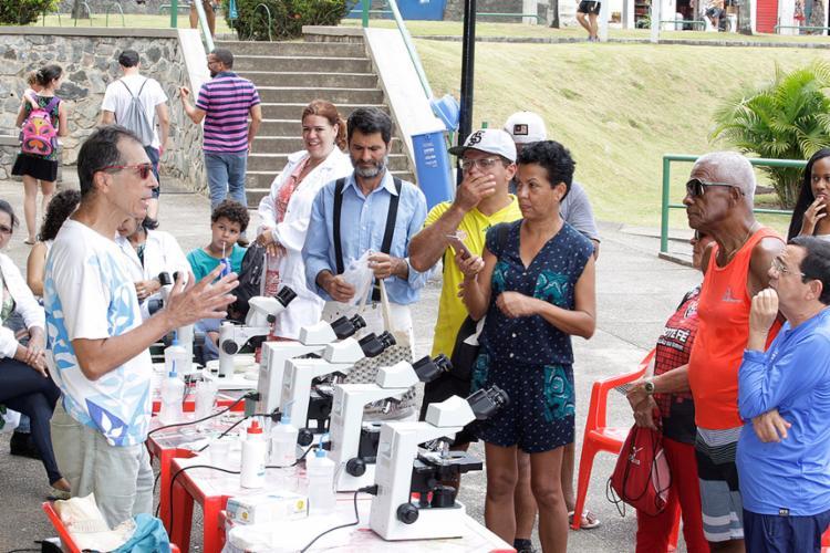 Moradores da região e frequentadores do Dique participaram da aula pública - Foto: Luciano da Matta l Ag. A TARDE