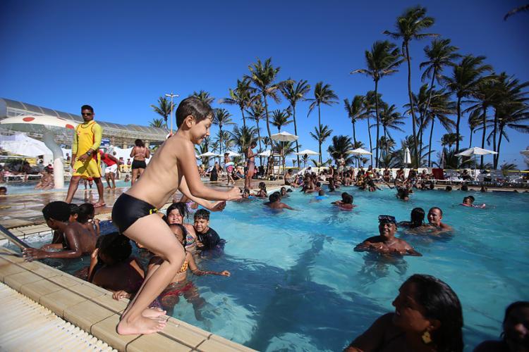Criançada curtiu ao máximo dia de sol e piscina - Foto: Joá Souza l Ag. A TARDE