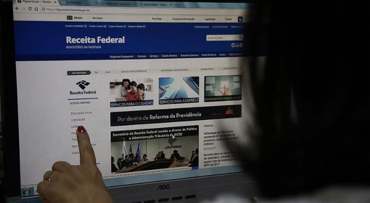 Para saber se teve a declaração liberada, o contribuinte deverá acessar a página da Receita - Foto: Joá Souza l Ag. A TARDE