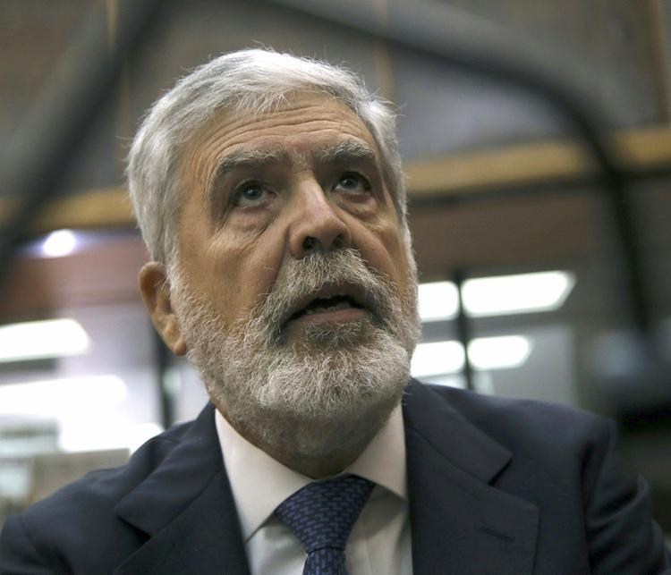 Julio De Vido é acusado de desvio de fundos e outras irregularidades - Foto: Hugo Villalobos l AFP
