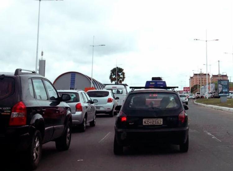 Protesto causou congestionamento na Paralela - Foto: Tiara Rodrigues | Cidadão Repórter | Via WhatsApp