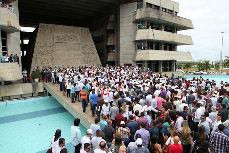 Prefeitos participaram de ato no Centro Administrativo da Bahia (CAB) - Foto: Divulgação | UPB