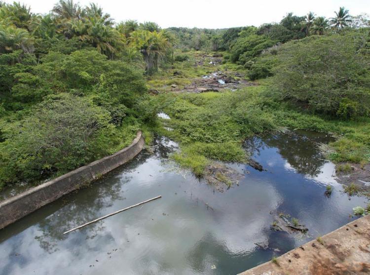 Rio Joanes abastece Salvador e Região Metropolitana - Foto: Adilton Venegeroles   Ag. A TARDE