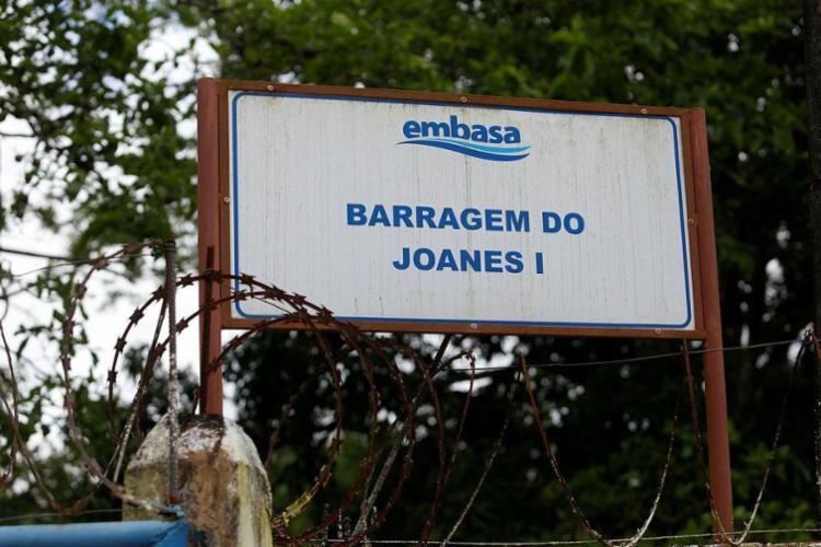 Barragem de Joanes I, em Lauro de Freitas, está com volume atual de 16,06 hm³ e volume útil de 66,55% - Foto: Adilton Venegeroles | Ag. A TARDE