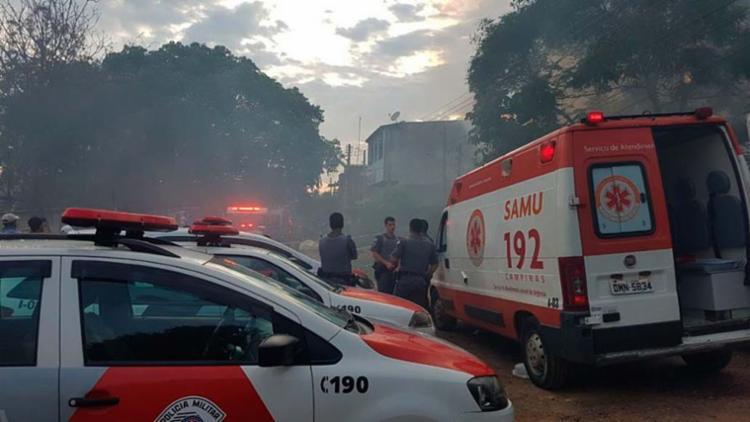 Os corpos continuam no local do crime, que vai passar por perícia - Foto: Polícia Militar | Divulgação