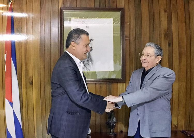 Governador durante reunião com o presidente cubano - Foto: Divulgação l Governo de Cuba
