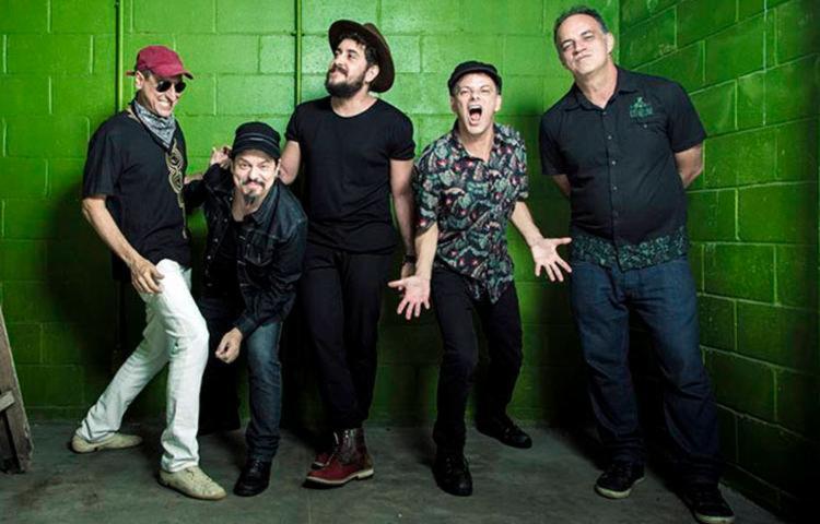 Banda se apresentaria em Salvador neste sábado, 7 - Foto: Divulgação
