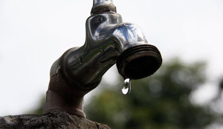 O fornecimento de água deve ser retomado às 20h da terça-feira, 16, de forma gradativa - Foto: Joá Souza | Ag. A TARDE