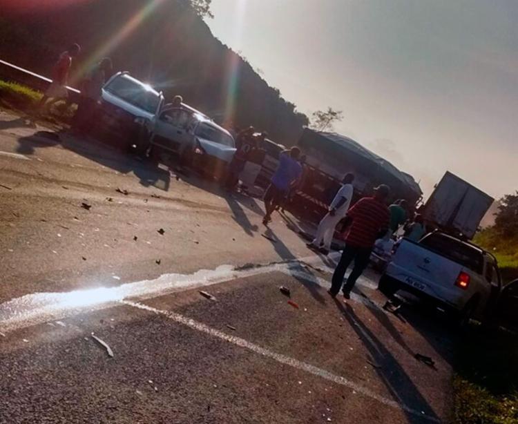 O acidente aconteceu por volta das 6h na BR-324 - Foto: Cidadão Repórter | Via WhatsApp
