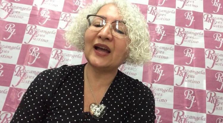 A psicóloga gravou um vídeo onde fala sobre a ação - Foto: Reprodução   YouTube