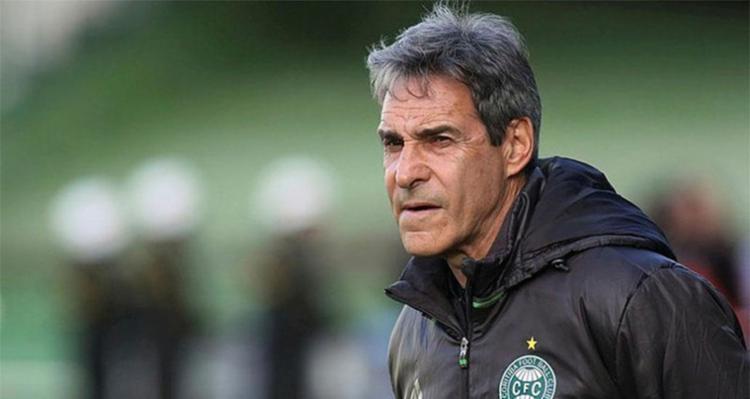 Carpegiani já foi técnico do Vitória em duas ocasiões - Foto: Giuliano Gomes | PR Press
