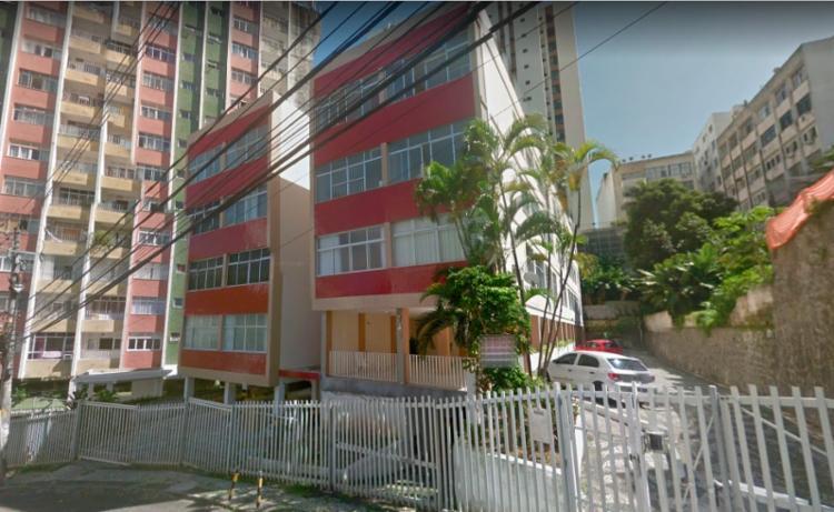 Crime aconteceu na porta do prédio do jovem - Foto: Reprodução | Google Maps