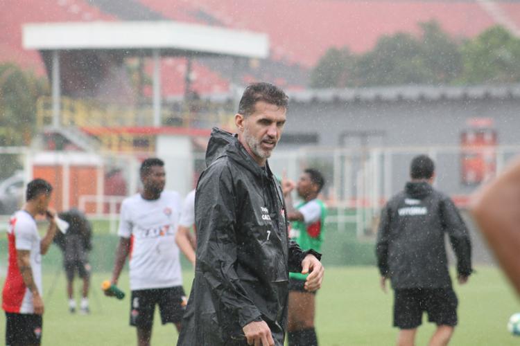 Mancini comandou dividiu o treino em duas partes - Foto: Maurícia da Matta | EC Vitória