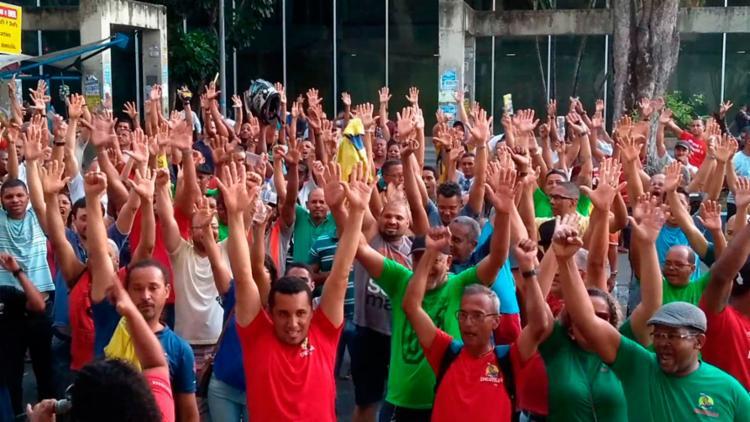 Funcionários estão em greve desde o dia 19 de setembro - Foto: Divulgação