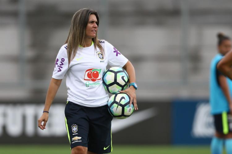 O manifesto visa apoiar a técnica Emily Lima e pedir maior suporte ao time feminino da seleção - Foto: Divulgação | CBF