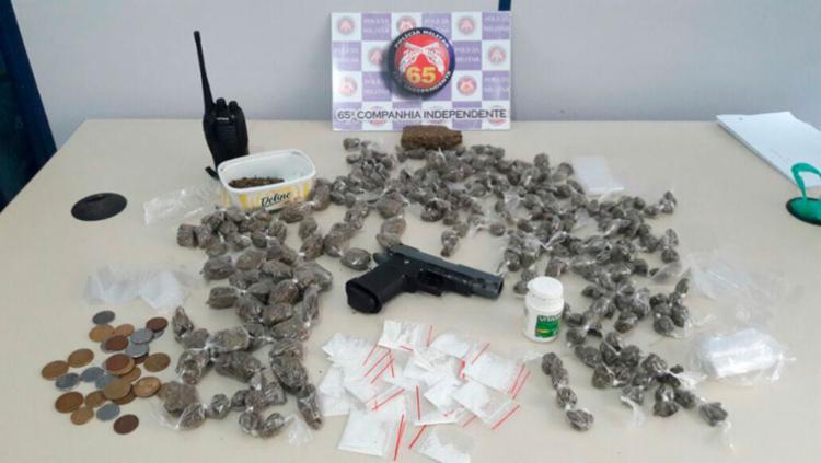 Foram apreendidos maconha, crack e cocaína durante a operação - Foto: Divulgação | SSP-BA
