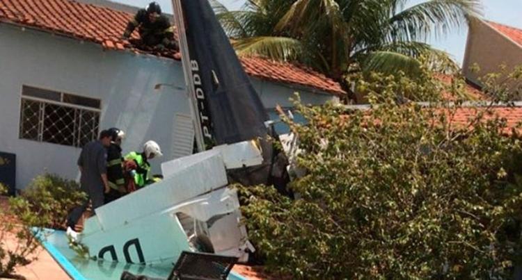 As três vítimas estavam no interior da aeronave - Foto: Divulgação | Corpo de Bombeiros