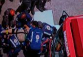 Motorista fica ferida após o carro bater em posto no Acesso Norte | Foto: