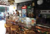 Comidinhas, arte e livros em Imbassaí | Foto: