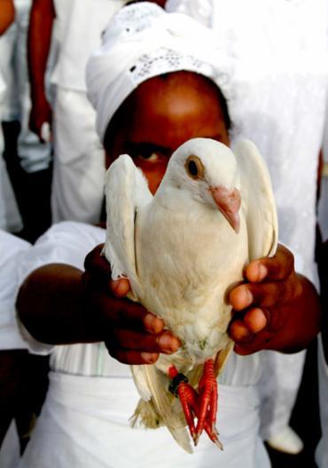 Afrodescendentes reforçam em atos e caminhadas a luta por paz e igualdade - Foto: Xando Pereira | Ag. A TARDE | 15.11.2006