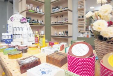 Loja investe em cosméticos veganos e sem fragrâncias artificiais