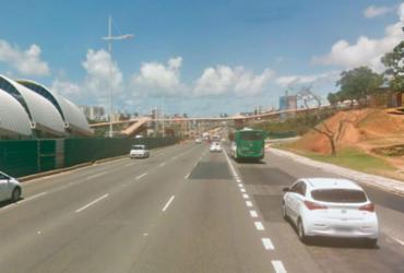 Pista do CAB é interditada para remoção de parte de passarela