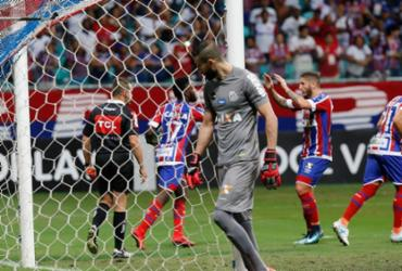 Bahia joga com autoridade, vence o Santos em casa e cola no G-7