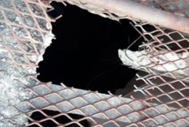 Doze presos fogem pelo teto de delegacia em Alagoinhas