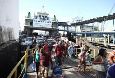 Motoristas esperam até 2h para embarcar no ferry em Itaparica