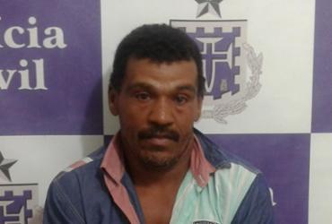 Suspeito de matar ex-mulher com foice é preso