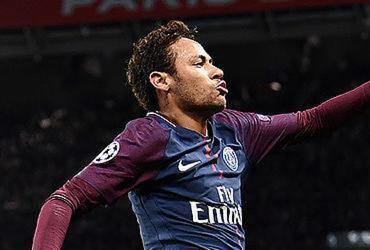 Neymar abandona entrevista após se irritar com perguntas de jornalistas