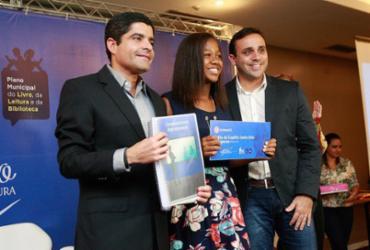 Alunos de Salvador são premiados por obras literárias