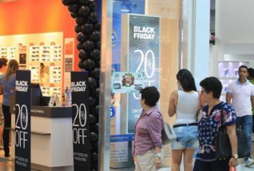 Lojas abrem a partir de 6 da manhã para atender cliente da Black Friday