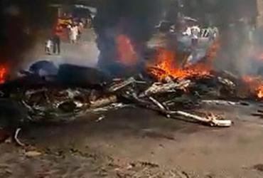 Motoristas fazem protesto e fecham rodovia no sul da Bahia