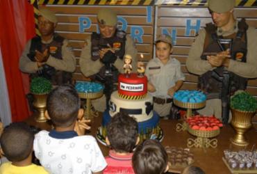 Polícia Militar inspira festa temática de garoto de Elísio Medrado