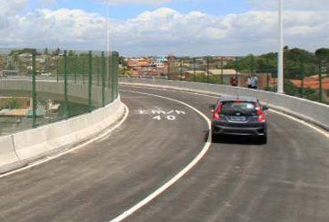 Viaduto que liga Stella Maris à avenida Paralela é inaugurado